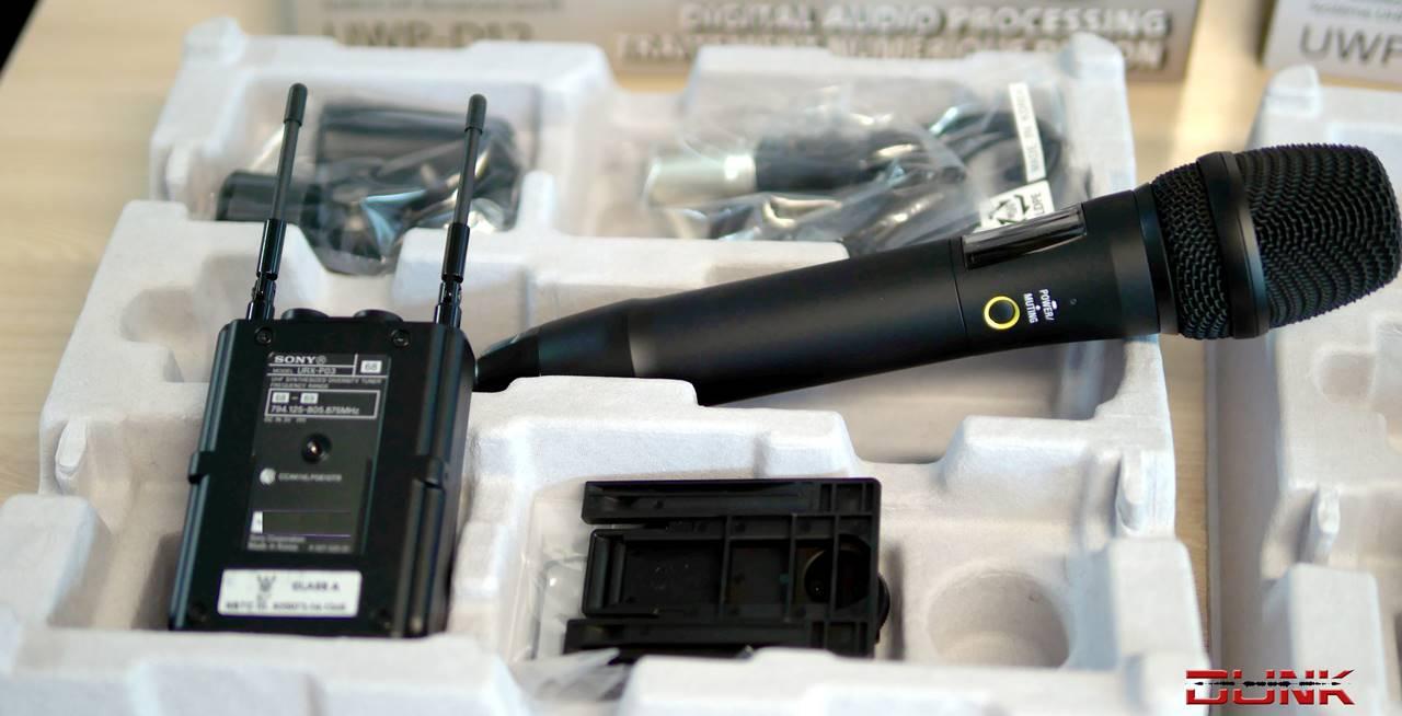 sony uwp d12 digital wireless handheld microphone uhf channels 68 69 mhz. Black Bedroom Furniture Sets. Home Design Ideas