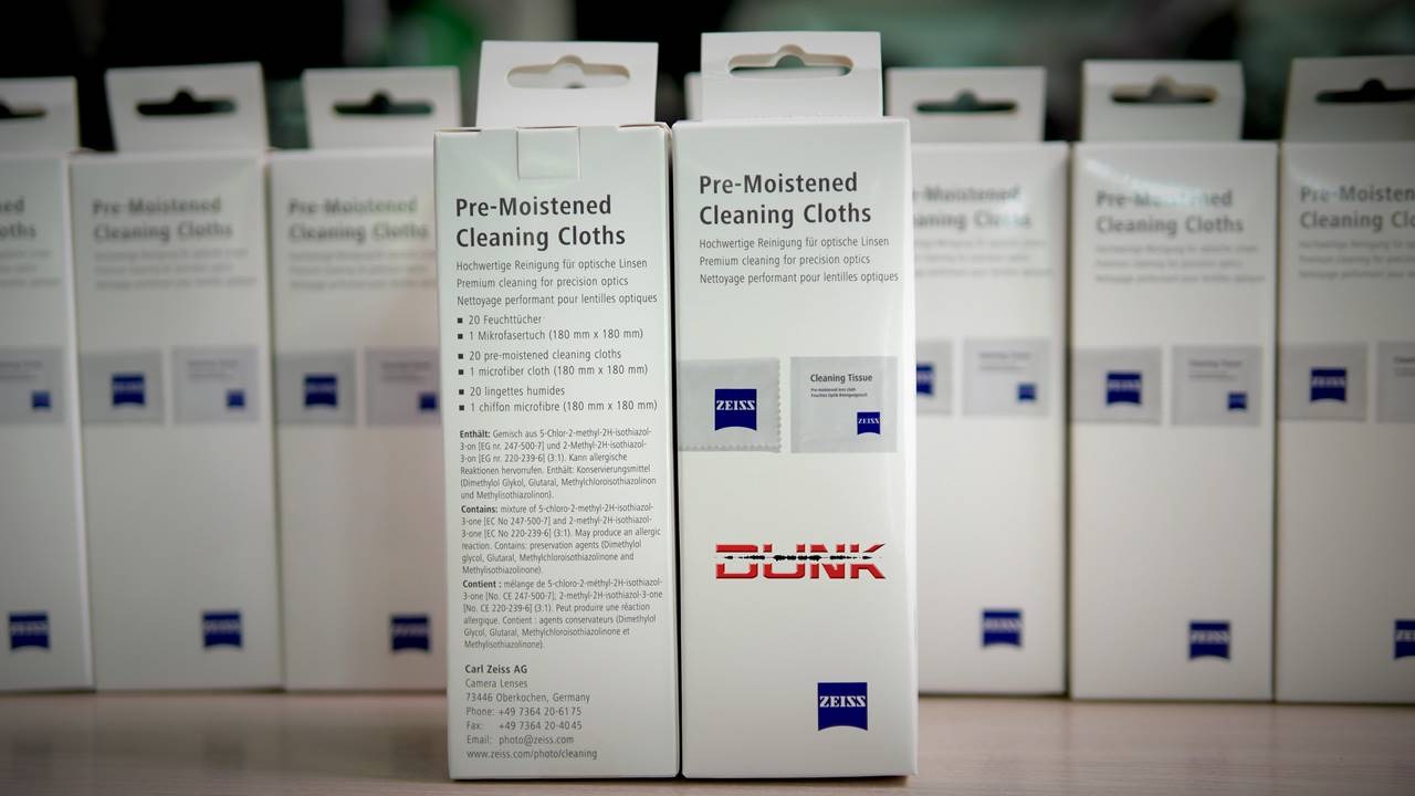 Zeiss pre-moistened cleansing cloths